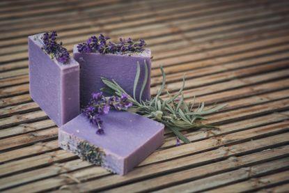 Levanduľové mydlo II